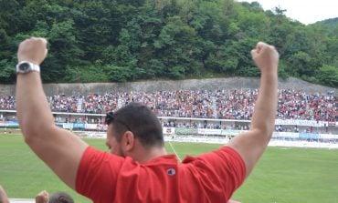"""""""Milanul"""" din Banat a persiflat """"șepcile roșii"""" după ce aceștia din urmă au ratat promovarea în prima ligă"""