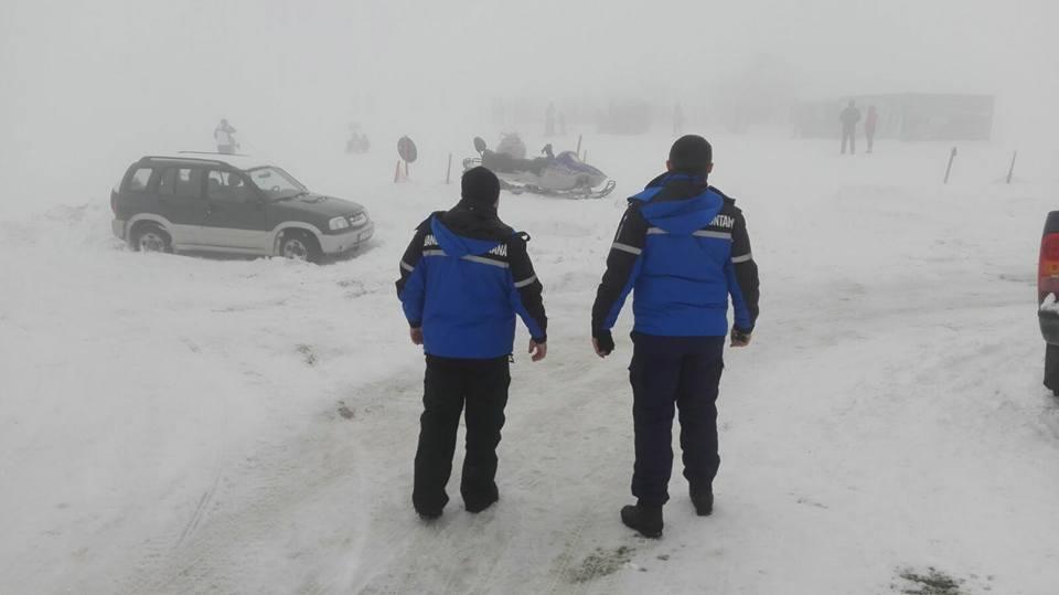 Jandarmii cărășeni dau sfaturi importante turiștilor montani!