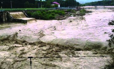 Încăzirea bruscă a vremii şi precipitațiile pot provoca inundații şi viituri.