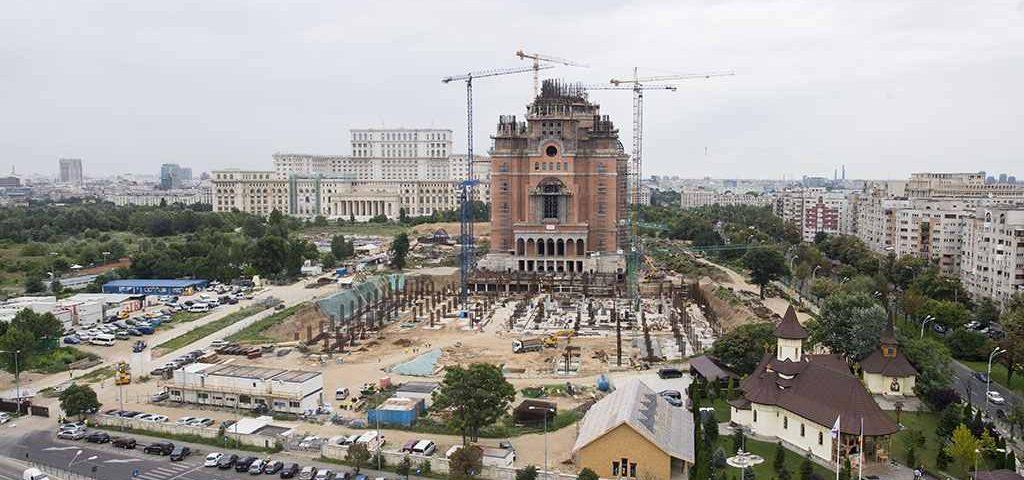 Programul de sfinţire a Catedralei  Mântuirii Neamului, azi dumineca 25 noiembrie