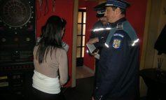 Jandarmii au dat iama în fumători și elevi chiulangi