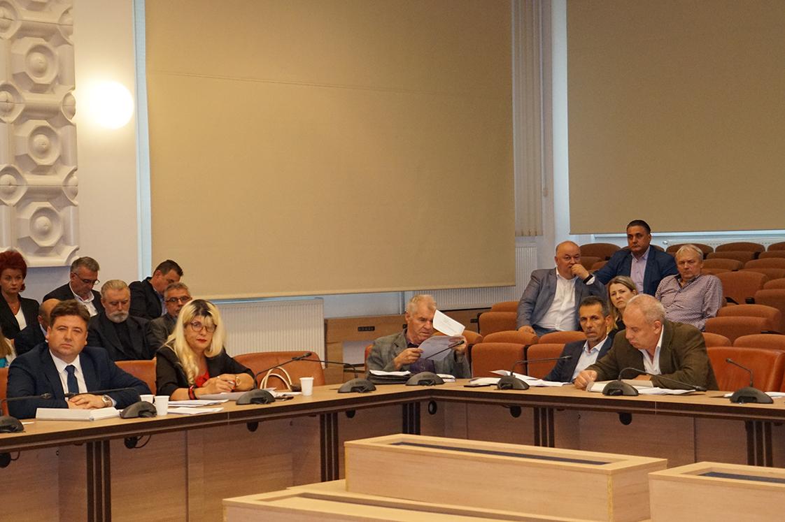 Tiugan votează cu liberalii în Consiliul Județean