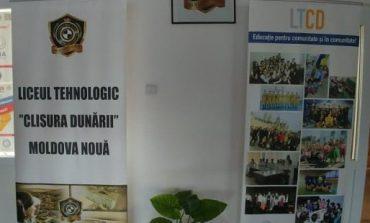 """Liceul Tehnologic """"Clisura Dunării"""" Moldova Nouă ,,calcat,, de politisti!"""