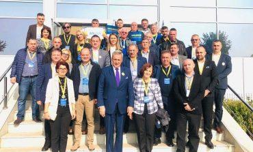 Presedintele Iohanis si Senatorul  Marcela Vela prezenti la conferinta ,, Ligii Aleșilor Locali PNL