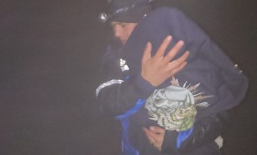 O familie cu un bebeluș în vârstă de 10 luni a fost salvată de jandarmi