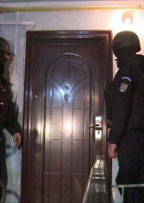 De la sfârșitul lunii ianuarie, polițistul  poate să-ți intre în casa și fara mandat!