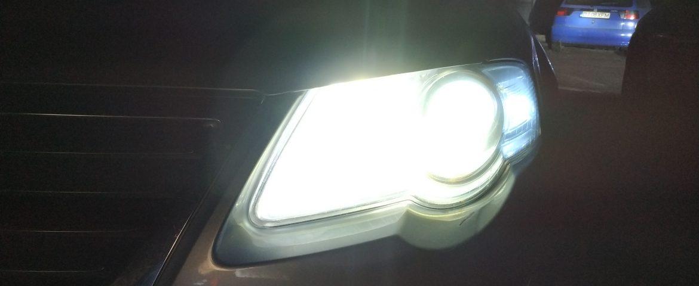 Noi reguli pentru șoferi! Conducătorii auto, obligaţi să folosească luminile de întâlnire şi pe drumurile naţionale