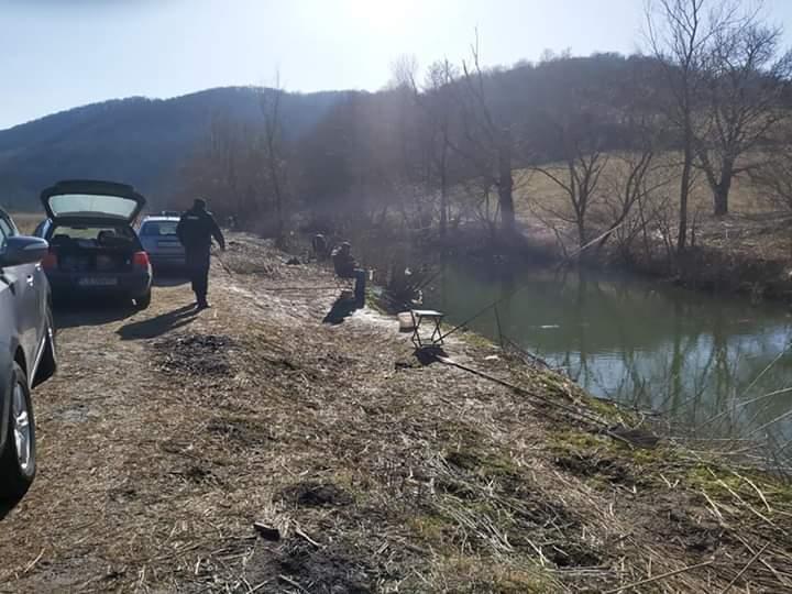 Jandarmii la pescuit… pescari branconieri!