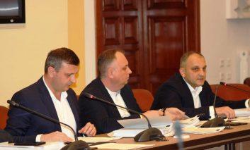 Sedinta cu putin (mai mult) scandal la Consiliul Județean Caraș-Severin