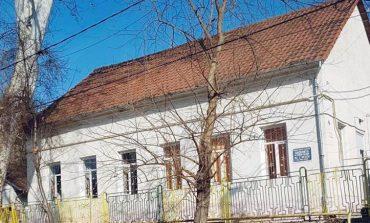 Două grădiniţe din Reşiţa vor fi reabilitate şi modernizate cu ajutorul fondurilor europene, investiţia totală fiind de 2,8 milioane de lei.