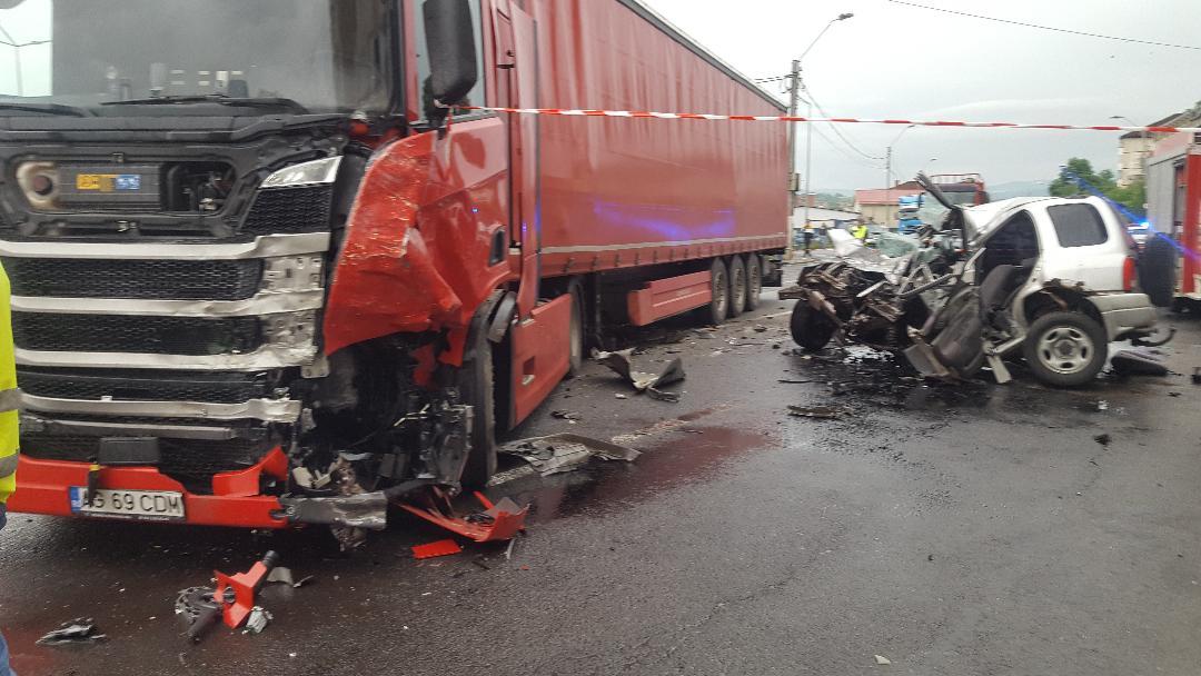 Șeful postului de poliție din Ramna,mort pe loc !Sinucidere sau accident auto?