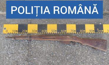 Arma veche de vanatoare ,veche de aproximativ 90 de ani ,gasita in zidul unei case din Moldova Noua!