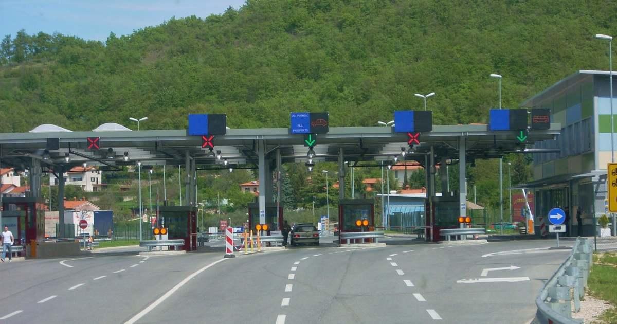 Viata grea pentru romanii, dupa Grecia ,si Ungaria introduce de miercuri conditii dure de intrare si tranzit pe teritoriul Ungariei!