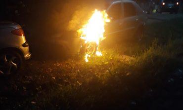 Reglare de conturi  ?Autoturism incendiat la Oravita!