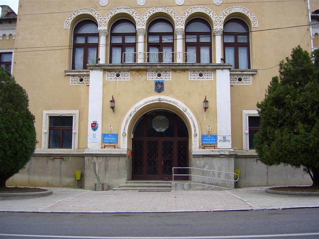 8 candidați pentru fotoliul de primar al orașului Oravița! Cine sunt aceștia și din partea cui candidează?