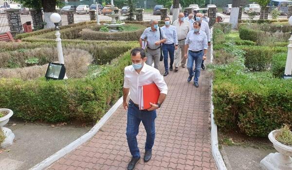 Publicatia Caras online,arunca in aer scena politica din Moldova Noua….Alegerile locale reluate si Torma interzis la o noua candidatura?