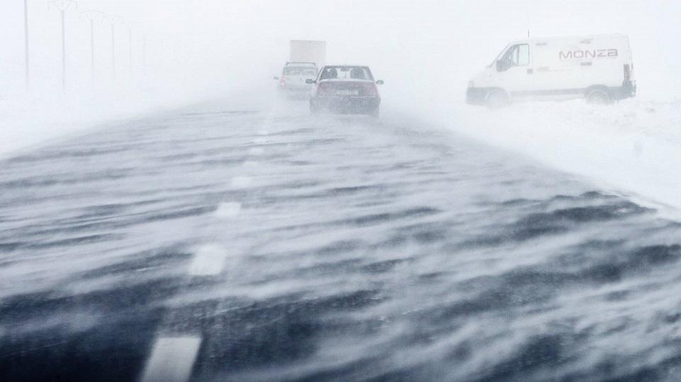 Alerta meteo :Cod portocaliu de viscol in Caras-Severin!Rafale ce depasesc 120 km/h!