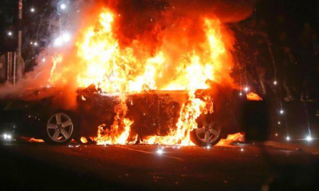 Un bărbat din Reșița – reținut de polițiști pentru incendierea unei mașini!