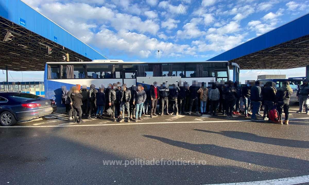 Politia de Frontiera tot mai solicitata!68 de migrantii ascunsi intr-un  tir!