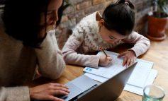 Guvernul a decis - unul dintre părinții copilului care trece în sistem online de învățământ în contextul pandemiei de coronavirus poate beneficia de zile libere plătite.